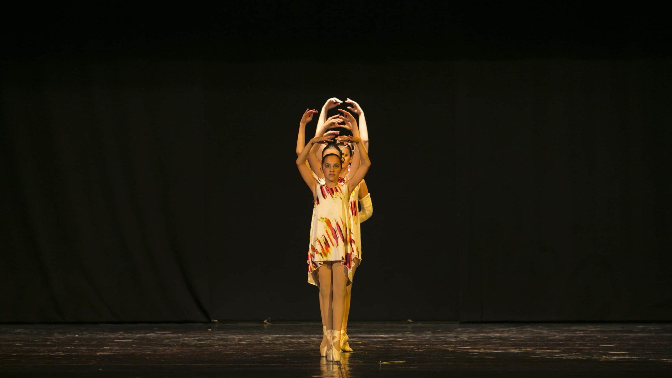 poetar-danzando-22@0.5x