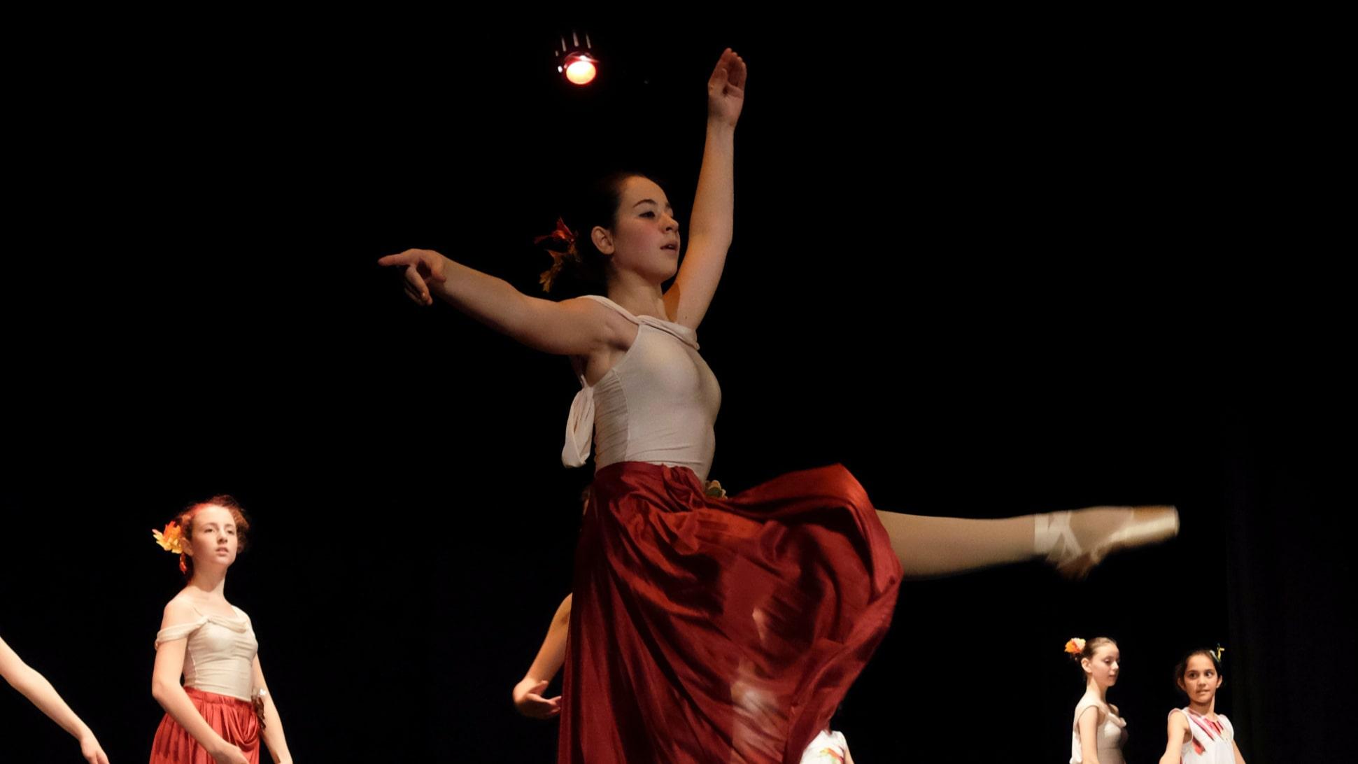 poetar-danzando-25@0.5x