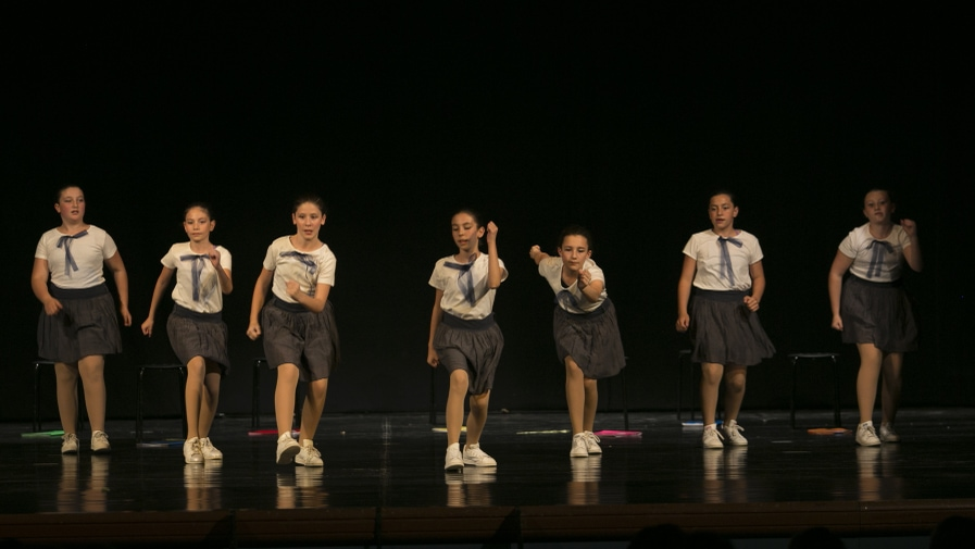 poetar-danzando-9@0.5x